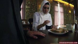 Horny man seduced Arab lady and fucked her