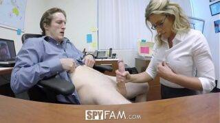 A milf caught her new colleague watching porn